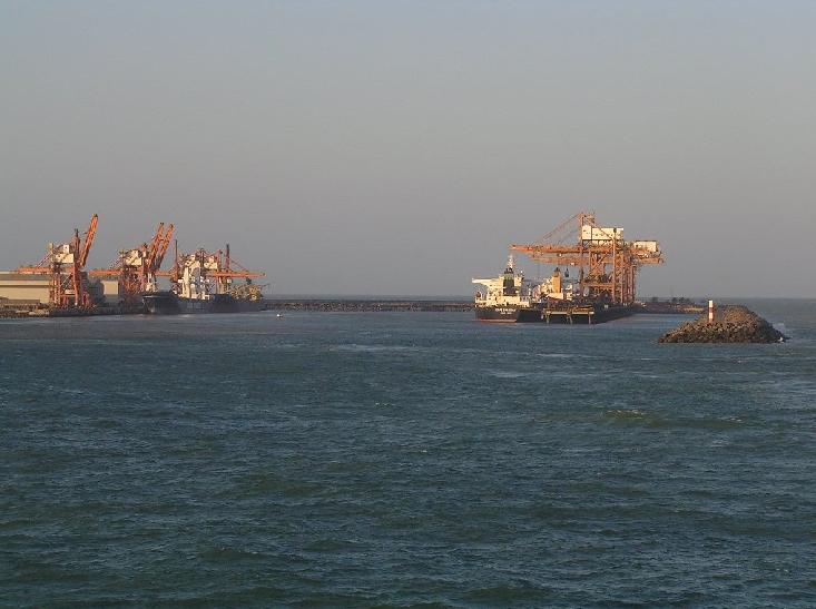 Puerto de Tubarao. Los cargueros de fiesta.