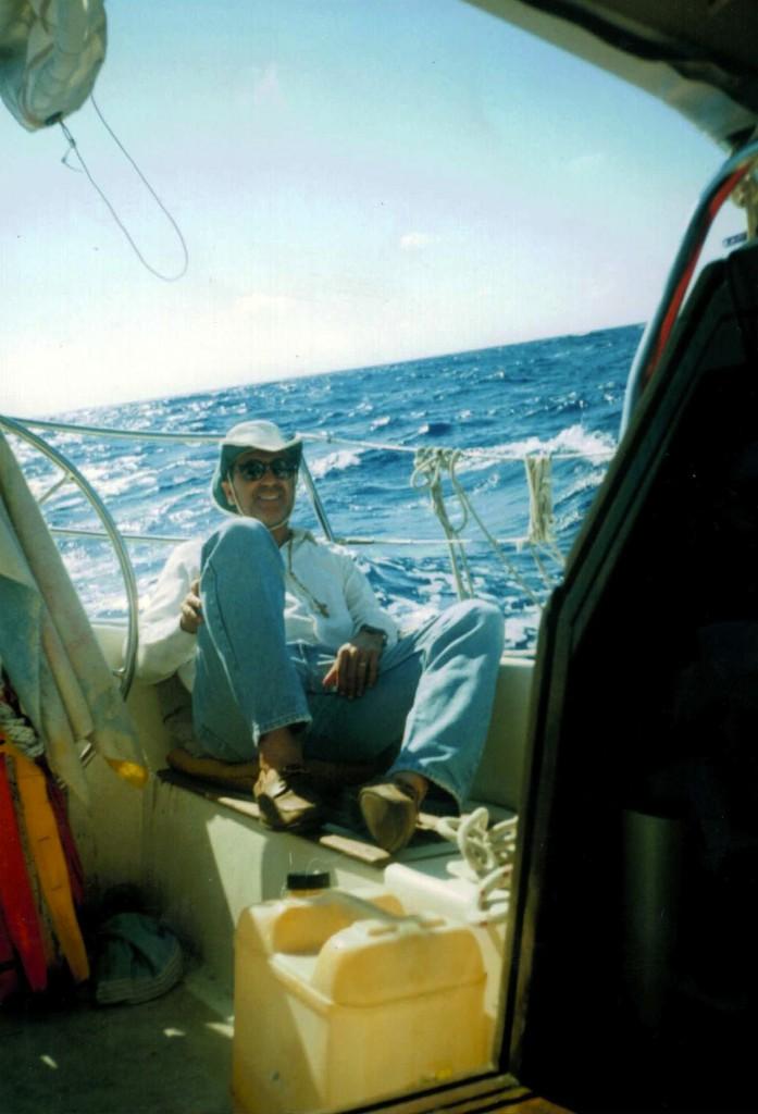 Mi papa disfruta de el viento del caribe.